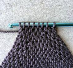 Tunisian Crochet - decreasing ☂ᙓᖇᗴᔕᗩ ᖇᙓᔕ☂ᙓᘐᘎᓮ http://www.pinterest.com/teretegui