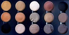 Look Inside My Closet: Palette d'ombres à paupières MAC cosmetics, j'utilise la plus foncé pour le smokey eyes...