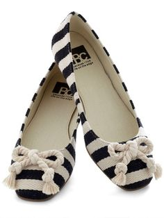 Knot-ical flats for spring. #fashion http://www.ivillage.com/cheap-flats-boat-shoes-ballet-shoes-comfortable/5-b-523857#523881