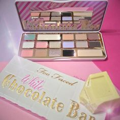 Another beautiful eyeshadow palette from Too Faced! This white chocolate palette has so many gorgeous shades! This really can be used to create so many makeup looks it gives us such inspiration!