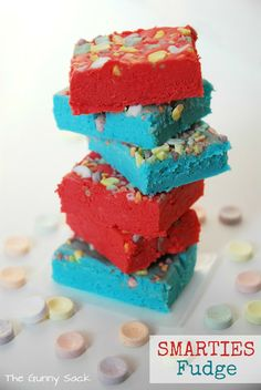 Easy Fudge Recipe with Smarties sadly I have never seen the bubblegum and cotton candy flavouring in Canada but if I can find it this would be great for a bake sale