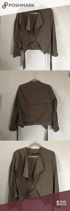 Slouchy Military-style Jacket Size Large. Military style jacket. Very slouchy, tomboy fit. Pair this with some faded high waisted jeans for an edge to a feminine look or a tshirt and ripped jeans for a tough look. Size large but fits more like a loose medium. #military #tomboy #army #edgy Ark & Co Jackets & Coats Utility Jackets