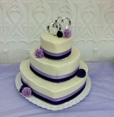 Like the 2 colors of ribbon and the silver bling around each layer