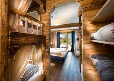 Schlafzimmer Für Vier Personen Mit Terrasse Und Panorama Aussicht #Luxus # Chalet #PronebenGut