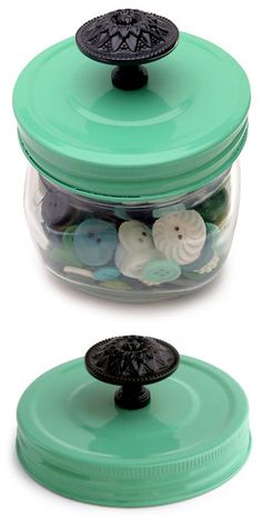 Mason jar with painted lid and knob for small gifts