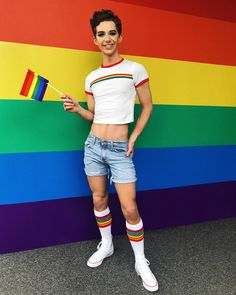 6 Cute Party Ideas for Upcoming Pride Festivals Lgbt, Super Moda, Teenage Boy Fashion, Mens Crop Top, Pride Outfit, Gay Aesthetic, Rainbow Outfit, Pride Parade, Cute Gay Couples