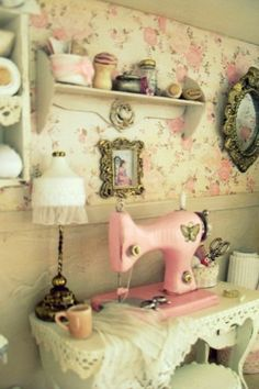 1000 images about cuartos de costura con miniaturas on pinterest costura sewing rooms and - Cuadros shabby chic ...
