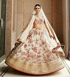 The latest collection of Bridal Lehenga designs online on Happyshappy! Find over 2000 Indian bridal lehengas and save your favourite once. Lehenga Sari, Floral Lehenga, Bridal Lehenga Choli, Bollywood Lehenga, Sabyasachi, Indian Bridal Outfits, Indian Bridal Wear, Indian Dresses, Bridal Dresses