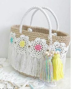 I brought you some bags today.🛍🛍 The base of these bags are all similar and were woven with a single crochet. Please be creative and have your own design. Crochet Flower Patterns, Crochet Flowers, Love Crochet, Knit Crochet, Single Crochet, Granny Square Bag, Crochet Mask, Hand Embroidery Flowers, Crochet Leaves
