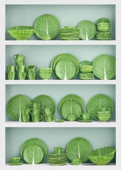 green lettuce plate by Dodie Thayer for Tory Burch and are part of a whole collection of pieces. Dodie Thayer, The Pottery Queen of Palm Beach, originally started molding her Lettuce WareCreated in collaboration with iconic potter Dodie Thayer, Tory Decoration Bedroom, Decoration Table, Ceramic Pottery, Ceramic Art, Pottery Art, Green Lettuce, Spring Green, Plate Sets, Shades Of Green
