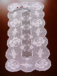 For Beginners Doilies El İşleri: Şubat 2018 Crochet Placemats, Crochet Table Runner, Crochet Doily Patterns, Crochet Doilies, Flower Patterns, Crochet Stitches, Crochet Home, Knit Crochet, Fillet Crochet