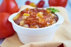 Das Apfel-Tomatenchutney Rezept ist der ideal als Vorrat für vitaminarme Wintermonate, noch dazu absolut bekömmlich und exzellent im Geschmack.