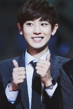 Best cheerleading section EVA! I need this guy at my finals - Chanyeol