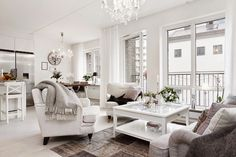 Krystalicznie czysta biel ze szczyptą glamour