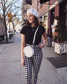 New York City OOTD  . . . . #newyork #newyorkstyle #streetstylenewyork #newyorkcity #fbloggersuk #bloggersuk #minimal #minimalstyle…