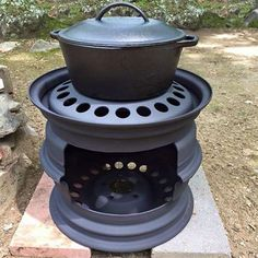 Turn an old rusty set of tyre rims into a braai that you can use for potjiekos, breakfast on the braai, or add a grill and use as a conventional braai.