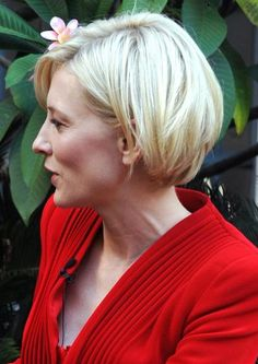 cate+blanchett+hairstyles | Cate Blanchett's soft layers give her short hairstyle added fullness ...