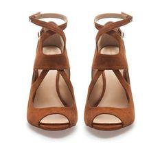 SANDALIA TACÓN MULTITIRAS - Zapatos - Mujer - ZARA España
