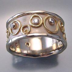 Ring | Anne Marie Cianciolo. 14k white gold, 18k yellow gold, diamonds.