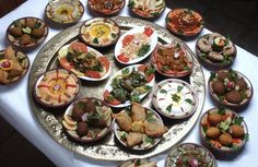 Check How Tasty is Egyptian Food # Middle Eastern Food Recipes Lebanese Cuisine, Lebanese Recipes, Comida Armenia, Mezze, Egyptian Food, Middle Eastern Recipes, Arabic Food, Falafel, The Best