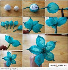 Niebieski kwiat potrzebujemy: 1.mała piłka pingpongowa 2.bibuła w dowolnym kolorze 2
