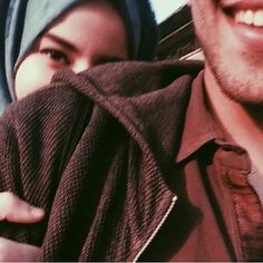 Cute Muslim Couples, Cute Couples Goals, Couples In Love, Couple Goals, Muslim Couple Photography, Photography Pics, Wedding Photography, Arab Girls, Muslim Girls