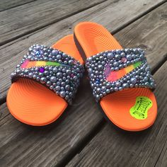 Customize your own sandals with a SprinkleMyFeet birthday party! Disney Princess Makeup, Nike Flip Flops, Sneaker Games, Bling Shoes, Fresh Kicks, Fur Slides, Cute Shoes, Diy Fashion, Curly Hair