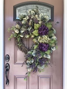 Hydrangea Wreath, Summer Wreath, Spring Wreath, Purple Wreath, Front Door Wreath - New Deko Sites Summer Door Wreaths, Holiday Wreaths, Diy Wreath, Grapevine Wreath, Wreath Ideas, Wreath Burlap, Purple Wreath, Hydrangea Wreath, Creation Deco
