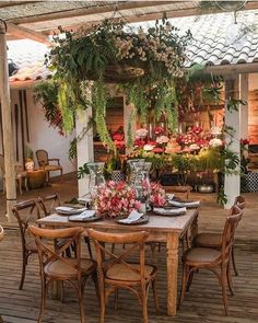 Such an elegant outdoor dining setting. Isnt it idyllic? Image from @unique_des - Dining Set - Ideas of Dining #DiningSet - Such an elegant outdoor dining setting. Isnt it idyllic? Image from @unique_design_r71 #HomeCanvas #Discoveries