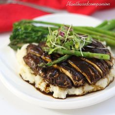 Last Night Dinner Marinated Portobello Mushroom with Mashed Potato Asparagus and brocollini topped with macro greens @sprouts  #expoblogger #mushroomsteak #bestoftheday #healthyfood