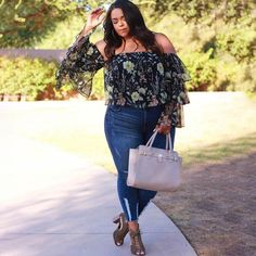fallin' for this floral bae 🌼💕 @curvesonabudget13 #Forever21Plus (shop link in bio)