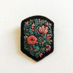 1,949 отметок «Нравится», 24 комментариев — CREAMENTE • embroidery • (@defnegunturkun) в Instagram: «Love these color combinations Available in the shop defnegunturkun.com/shop . . #embroidery…»
