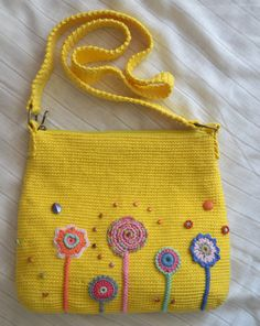 For the majority of women, buying a genuine designer handbag isn't something to rush into. As these bags can easily be so pricey, ladies typically worry over their decisions before making an actual handbag acquisition. (Re:Stylish Duffle bag. Crochet Handbags, Crochet Purses, Crochet Bags, Crochet Shell Stitch, Bead Crochet, Crochet Designs, Crochet Patterns, Embroidery Purse, Unique Crochet