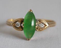戦前の翡翠の指輪