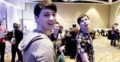 I love Phil's way of waving like even his hand is adorable XD
