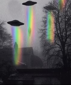 UFO Sightings News. UFOs Aliens Space Art & Gifs
