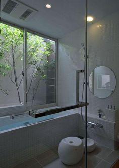 バス/トイレ事例:白いタイルのバスルーム(若葉いろの家) Ideal Bathrooms, Natural Bathroom, Modern Bathroom, Small Bathroom, Bathroom Toilets, Basement Bathroom, Interior Garden, Room Interior, Japanese Style Bathroom