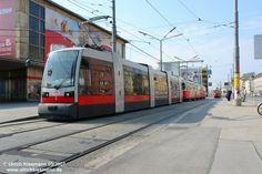 2 Wien Suedbahnhof 10.03.2007 - SGP ULF A