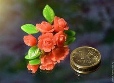 """Броши ручной работы. Ярмарка Мастеров - ручная работа. Купить Брошь """"Веточка вьющейся розы"""". Handmade. Коралловый, розовая брошь"""
