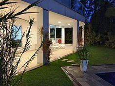 Casa moderna 2 pavimentos, arejada, conforto total para até 14 pessoas   Imóvel para temporada em Riviera de São Lourenço da @homeaway! #vacation #rental #travel #homeaway