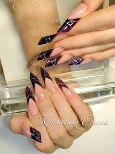 These nails are omg comment what you think about them i have been seeing these all over her Creative Nail Designs, Beautiful Nail Designs, Creative Nails, Great Nails, Cool Nail Art, Nail Atelier, Sculptured Nails, Edge Nails, Nail Techniques