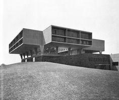 County War Memorial Center, Milwaukee, Wisconsin (Eero Saarinen, 1954-57)