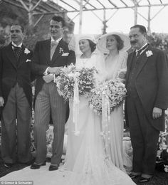 * John Wayne & Josephine Saenz * He married for the first time in 1933 to the daughter of Panemanian Consul. Here, at the home of screen star Loretta Young. Left to right are: Louis Gerphide, the Bride; Loretta Young, and Dr. John Wayne Biography, Wedding Bride, Wedding Gowns, Wedding Styles, Wedding Photos, I Love Cinema, Hollywood Wedding, Actrices Hollywood, Vintage Bridal