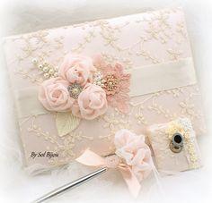 Wedding Guest libro rubor rosa crema marfil nupcial