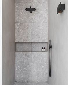 Small Shower Room, Small Showers, Contemporary Bathroom Designs, Modern Bathroom, Bathroom Inspiration, Interior Inspiration, Shared Bathroom, Bathroom Interior, Home Interior Design
