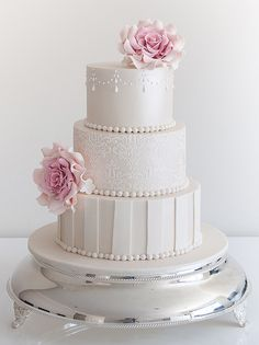 Break Tradition with These 43 Trendy Wedding Cakes. To see more…