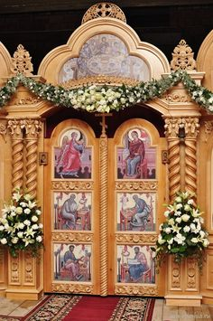 Orthodox Easter, Church Flowers, Jesus Art, Orthodox Icons, Flower Decorations, Funeral, Altar, Christianity, Floral Arrangements