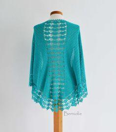 Turquoise gehaakte omslagdoek, J999 van Berniolie op DaWanda.com