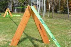 Want to setup your slackline, but you don't have a couple of big trees (conveniently spaced apart) located nearby? Here are a few popular options for rigging a slackline Large Family Organization, Family Organizer, Organization Hacks, Diy Wood Projects, Woodworking Projects, Hammock Posts, Diy Gym Equipment, Bouldering Wall, Jungle Gym