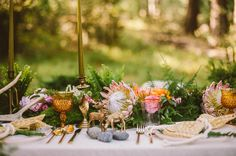 king protea and ferns for the table decor - love!!